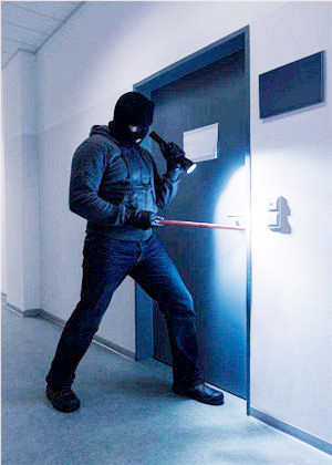 梦见小偷撬门没撬开,也可能有好事发生