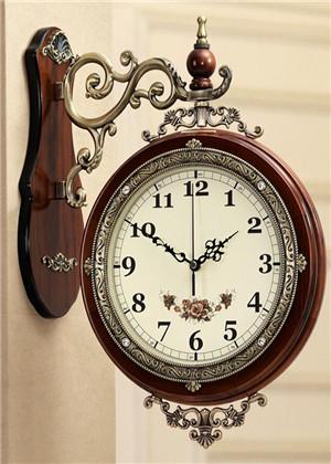 客厅挂钟有什么讲究?这些禁忌你都知道吗?