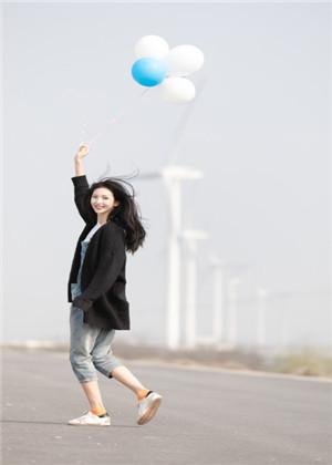 梦见自己吹气球,容易高傲自大