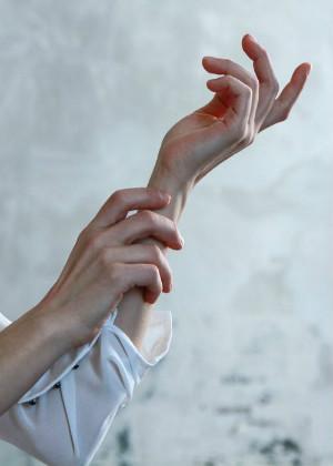 从手指流纹看个人桃花运,小拇指最能带来桃花