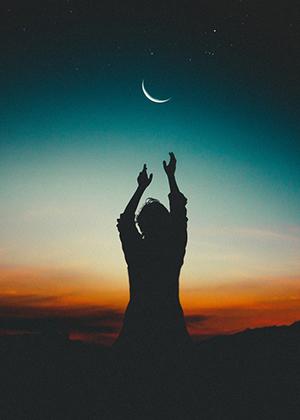 月亮竖图.jpg