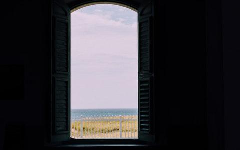 开窗见什么风水最好?这四种现在是求之不得!