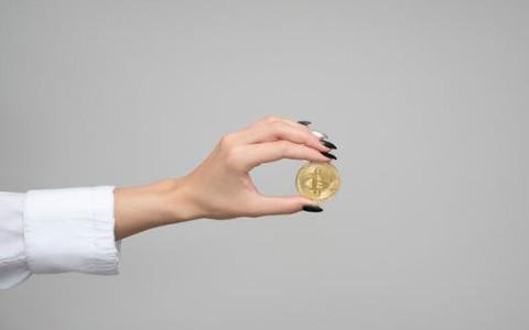 从不缺钱花的手相,原来富贵就握在自己掌中