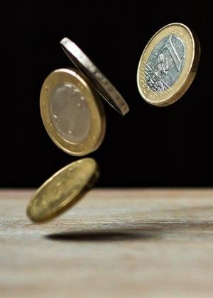 床底下放硬币招财,搭上这些东西好运翻倍!