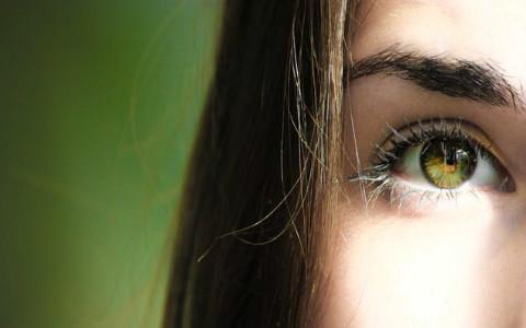 高低眉的女生面相,范冰冰同款高低眉可以有