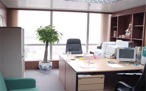"""办公室背靠窗户好吗?""""背后无靠""""要小心"""