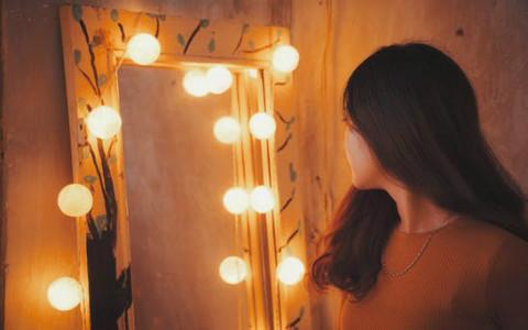 镜子在家居风水中的禁忌,你家的镜子别再乱放了