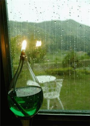 梦见外面下大雨我在屋里,总能收获意外之财