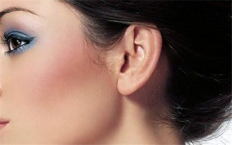 耳垂厚的人有福气吗?有这样耳朵的人不富贵都难