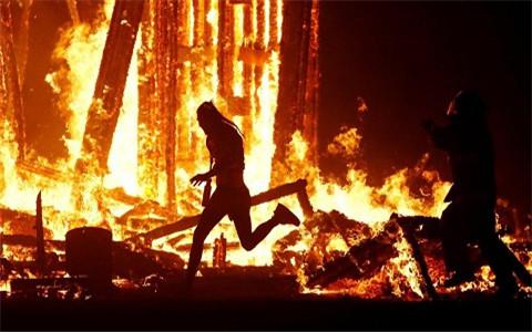 梦见火烧自己,不妨听听旁人的意见