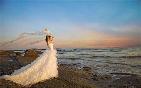梦见自己结婚好不好?大胆的放手去做