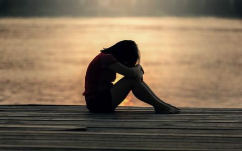 梦见分手了哭得好伤心,用平和的角度看待感情