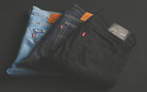 男人把钱放在裤子后口袋好吗?代表着厚钱在后