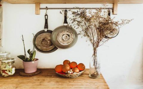 厨房水火相冲的风水化解方式,珠帘能减弱影响