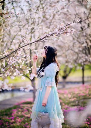 拍櫻花穿什么好看?復古風也不錯哦!